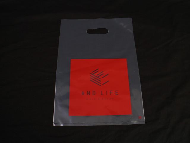 千葉県にあるオシャレな美容室様でご利用いただく透明のLDPEポリ袋
